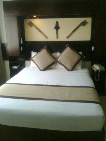 Fiji Gateway Hotel:                   Double bed
