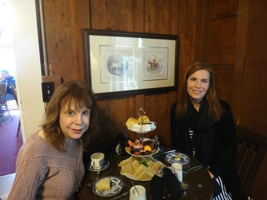 Afternoon tea with Mom at the Tea Cozy.