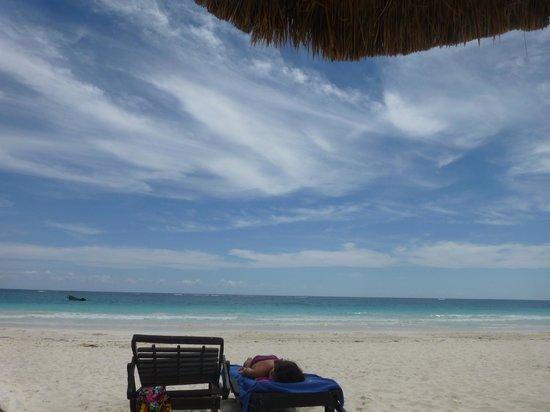 Poc-na Tulum:                   beach