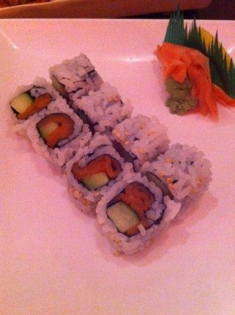 HoSu Bistro:                   smoked salmon maki