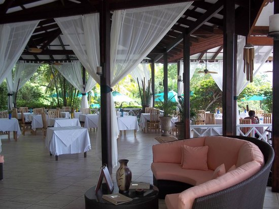 Ti Kaye Resort & Spa:                   Gorgeous Outdoor dining room