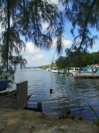 Fantasy Island Beach Resort:                   Were the boats leave for scuba trips