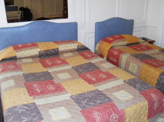 Montpensier:                   Double bed and twin bed in quad room