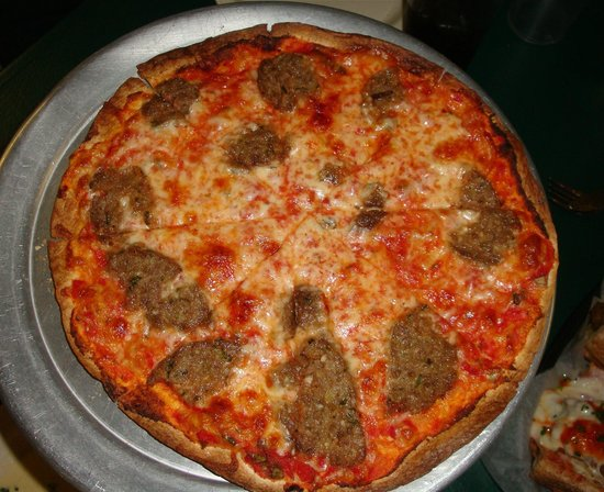 Romano's On The Beach : razor thin pizza