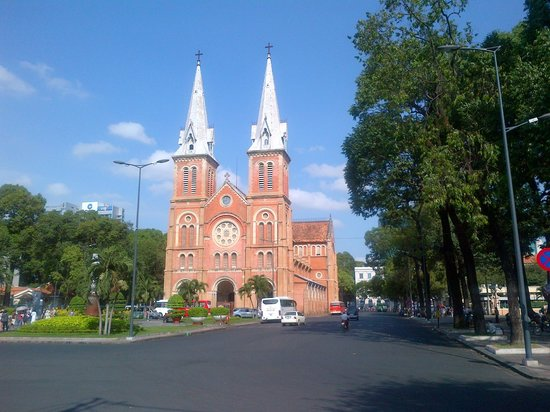 Grand Hotel Saigon : Notre Dame Cathedral