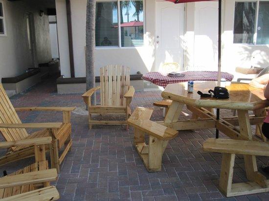 Caribbean Resort by the Ocean:                   Table extérieure