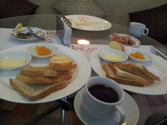 Orange Nest Hotel : Breakfast...eggs and bacon not included