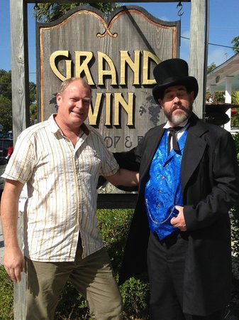 Grand Vin: The Count and Sean