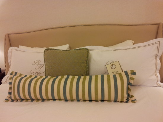 The Boar's Head:                   Nice bed linens