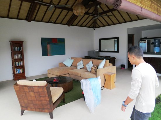 Arama Riverside Villas: Living area