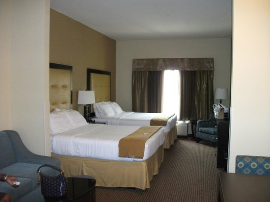 Holiday Inn Express Hotel & Suites Cordele North:                   Rm. with Kitchenett