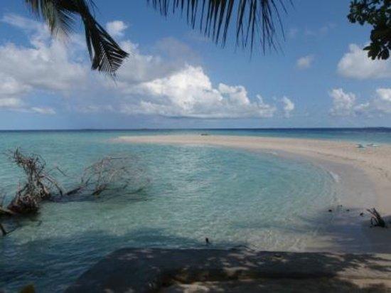 Embudu Village:                                                       relaxing