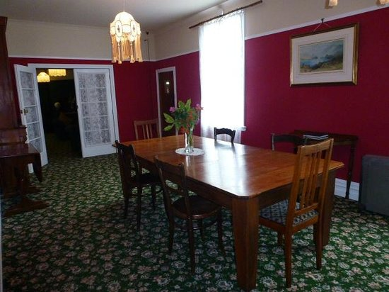 Murrell's Grand View House:                   Dining room with large rimu table