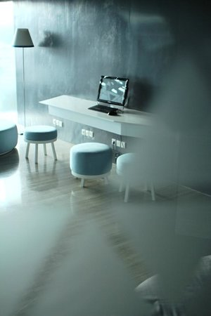 Ize Seminyak:                                     Nice business centre