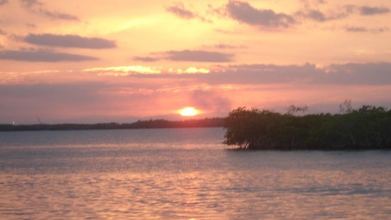 Three Iguanas Villa:                   Spectacular views of the sunsets