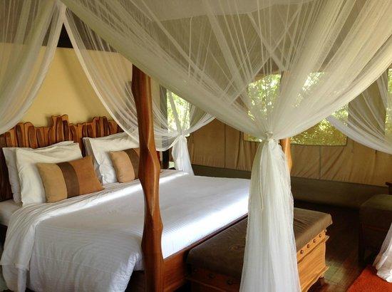 Sarova Mara Game Camp:                   our tent room