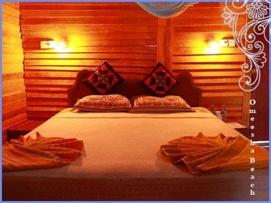 Omeesha Beach Hotel:                   Inner of room