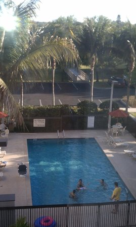 Hampton Inn & Suites Fort Myers Beach / Sanibel Gateway:                   view from room 432