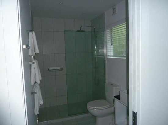 ريجنت أوف روتوروا بوتيك هوتل آند سبا:                   bathroom                 