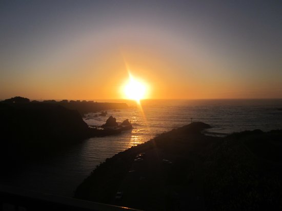 North Cliff Hotel:                   lovely sunsets every night!