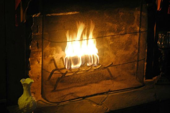 The Wishing Well Guesthouse :                   How nice was it to be welcomed on a cold day with a roaring fire!