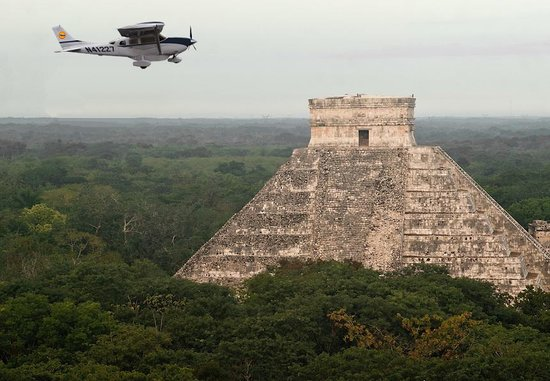 ‪Chichen itza By Airplane‬
