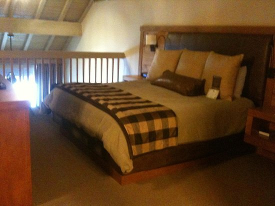 Sunriver Resort:                                     Upstairs loft with king size bed