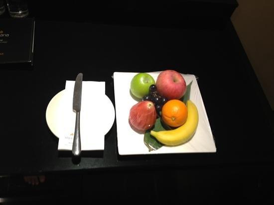 Impiana KLCC Hotel:                   fruit platter