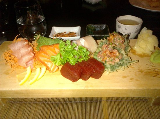 Niji Sushi Bar Et Restaurant: Deluxe sashimi (blue tuna or something like that is very different)