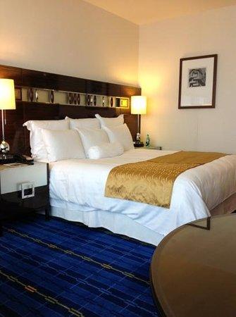 Hong Kong SkyCity Marriott Hotel:                   habitación