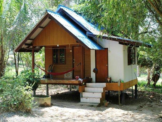 Jungle Bar & Bungalow : Standard fan bungalow