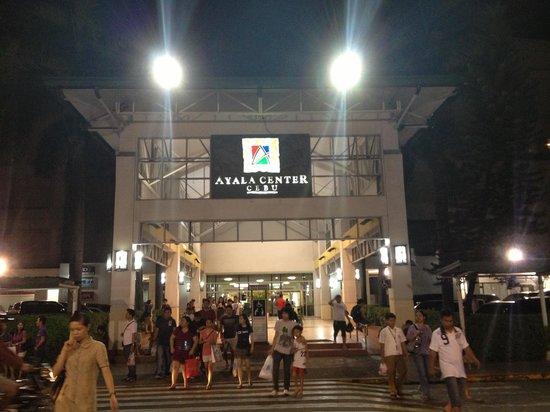 Quest Cebu: Short walk to this side of Ayala Mall