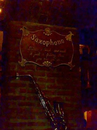 Saxophone Pub :                   sax