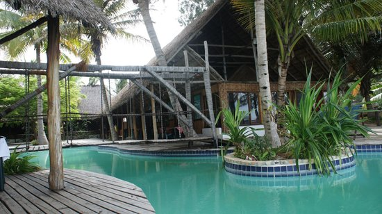 Pomene Lodge:                   Pool area
