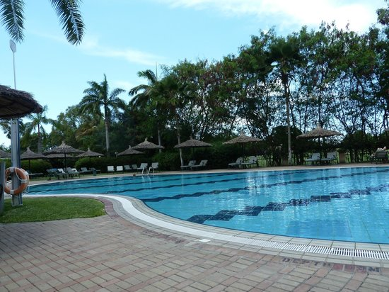 Dar es Salaam Serena Hotel:                   Lovely pool for laps or leisure