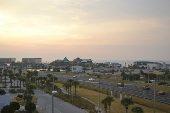 Emerald Coast Inn & Suites : View from 6th floor, SE. side. Look over the Convention Center. Great Seafood Rest. on the beach