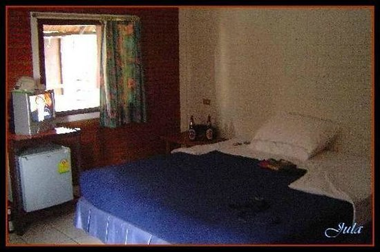 The Cottage:                   room