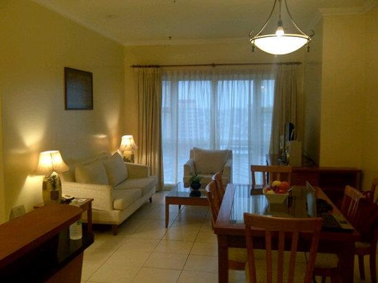 Ariva Gateway Kuching:                   View of the living room in the suite