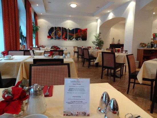 Hotelisssimo Haberstock:                   Dining/Breakfast room on the ground floor