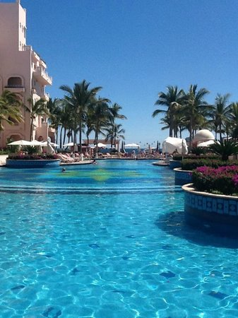 Pueblo Bonito Rose:                   The main pool, looking out toward the ocean.