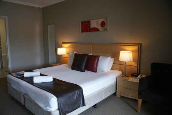 Centrepoint Apartments Griffith:                                     Very classy and clean room