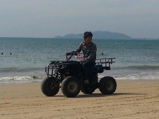 ปาล์มบีช รีสอร์ท แอนด์สปา: Пляж