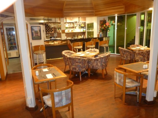 Cairns Sheridan Hotel : Palms Restaurant