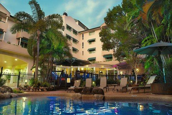 Cairns Sheridan Hotel : Pool