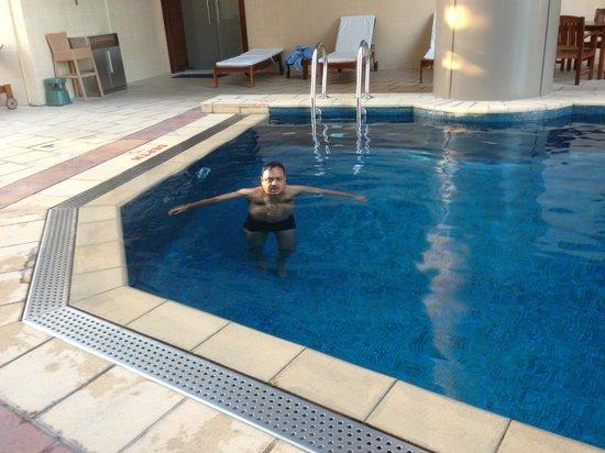 Grand Millennium Dubai:                   Swimming Pool