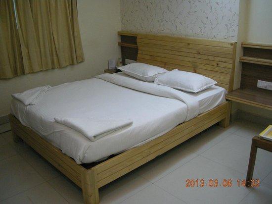Hotel Mangalam:                   Room
