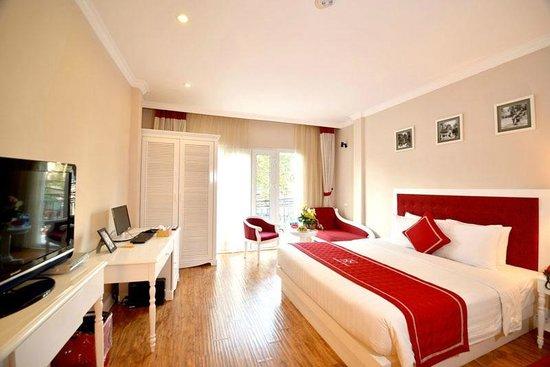 Calypso Premier Hotel: Suite Room