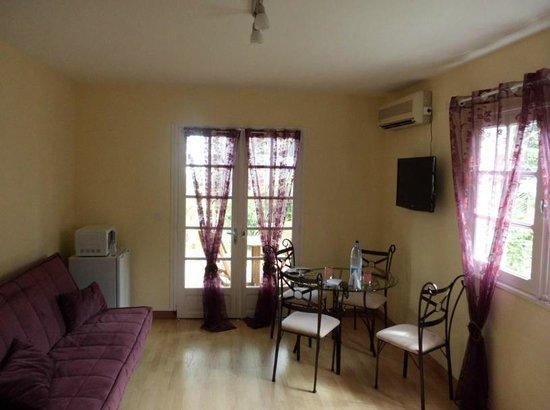 La Rose du Sud :                                     4 Guest room