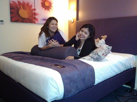 Premier Inn Abu Dhabi Capital Centre Hotel:                                     master bed