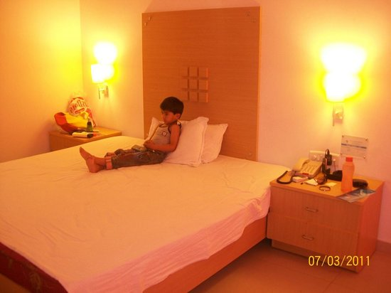 Sugati Beach Resort:                                     Hotel room.